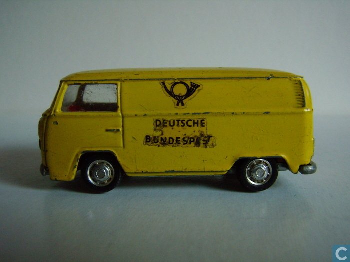 62 VW T2 transporter post.jpg, 109kB